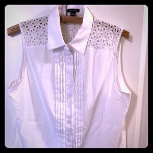White No sleeve Blouse